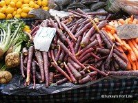 Purple Carrots On Çalış Market