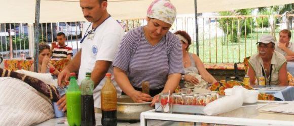 Making Kar Şerbeti Slush