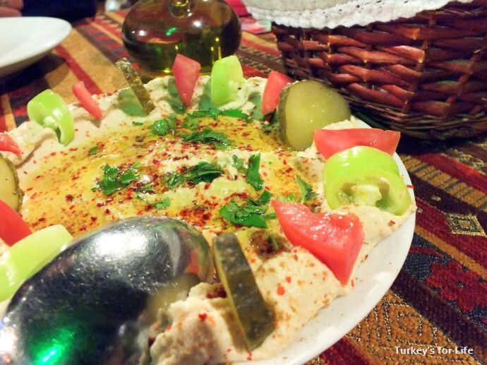 Mozaik Bahçe Hummus