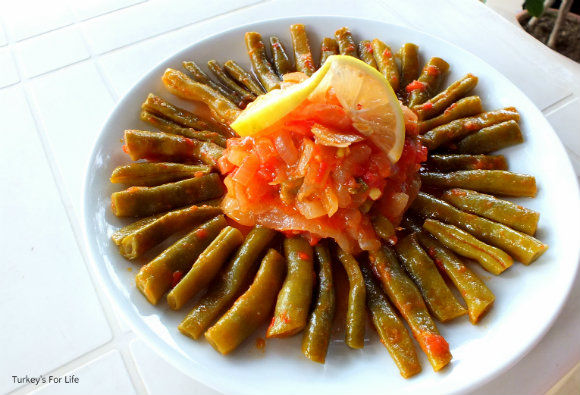 Turkish Green Beans In Olive Oil Recipe - Zeytinyagli Taze Fasulye