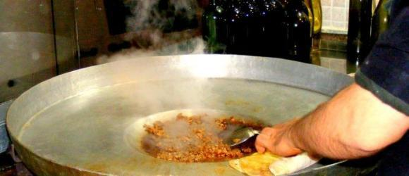 Preparing Tantuni Kebab