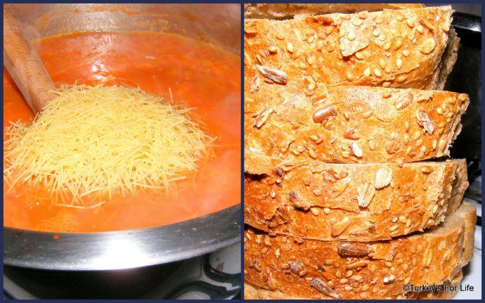 Turkish Tomato Soup With Vermicelli