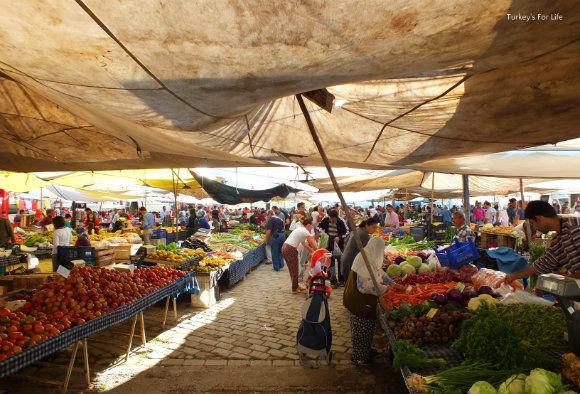 Seasonal Shopping At Çalış Sunday Market