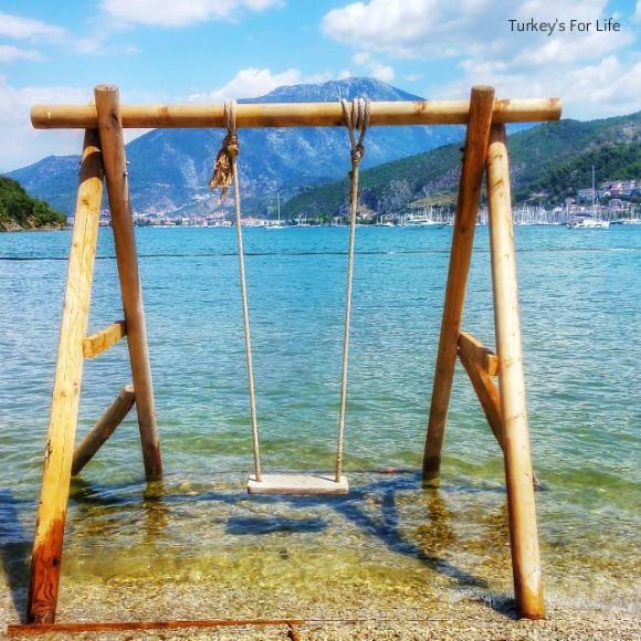 Aksazlar Beach Swing