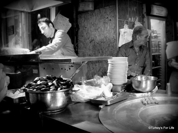Mussels & Kokoreç in Beyoğlu, Istanbul