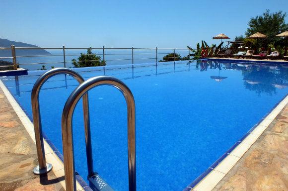 Olive Garden Infinity Pool