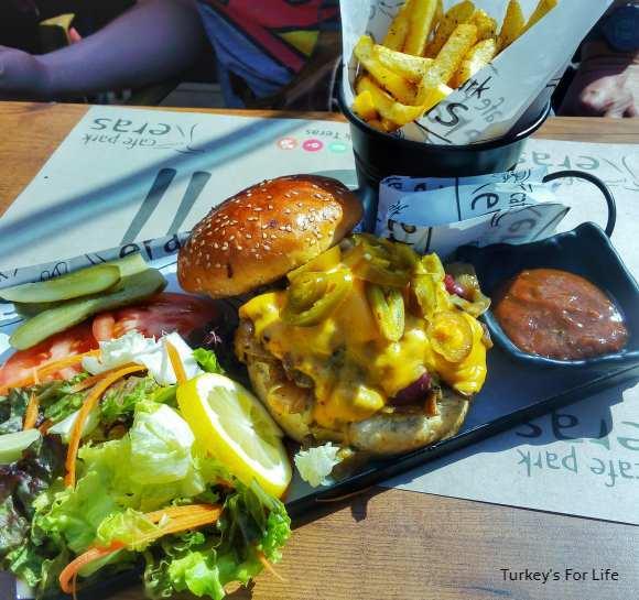 Cafe Park Teras Burger