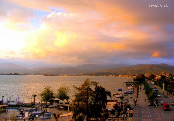 Cafe Park Teras Sunset