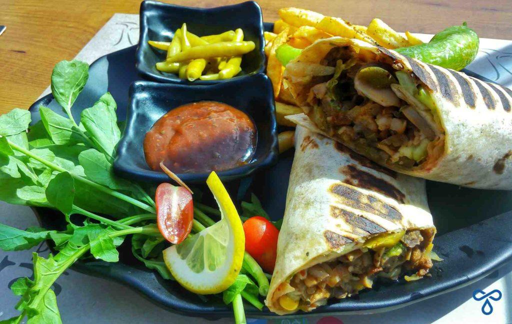 Cafe Park Teras Mexican Beef Wrap