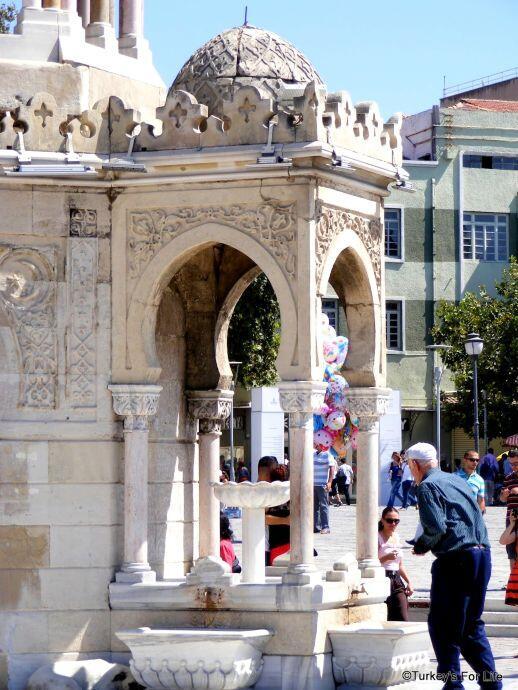 Izmir Clock Tower Fountain