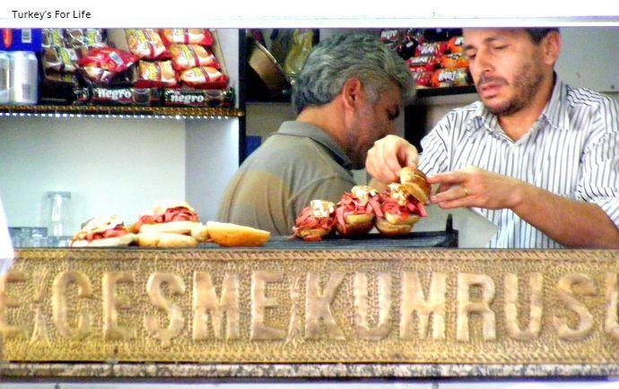 Çeşme Kumrusu Street Food