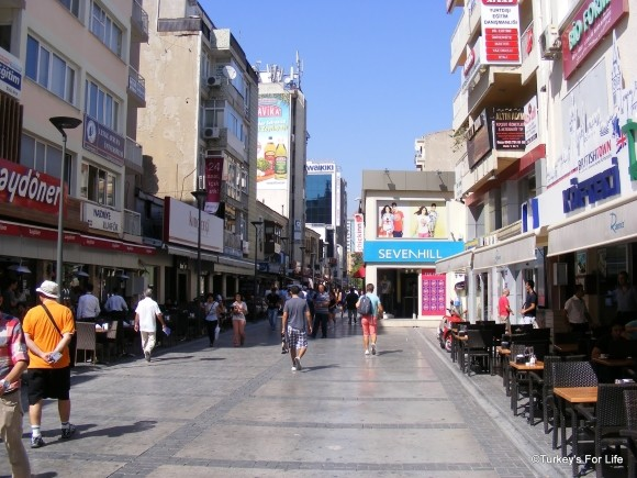 Kıbrıs Şehitler Caddesi, Alsancak, Izmir