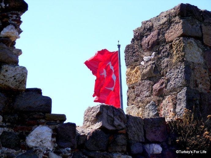 Velvet Castle, Izmir