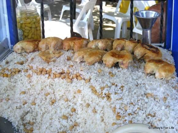 Turkish Street Food: Nohutlu Pilav or Chickpeas With Rice