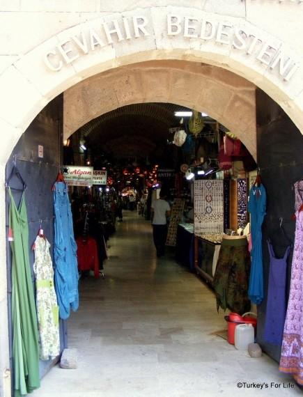 Cevahir Bedesteni, Kızlarağası Hanı, Izmir, Turkey