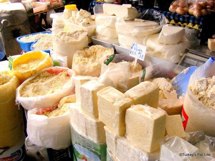 Çiftlik Market Cheese Stall