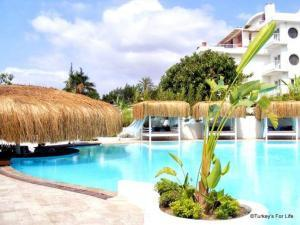 Yacht Classic Hotel Swimming Pool