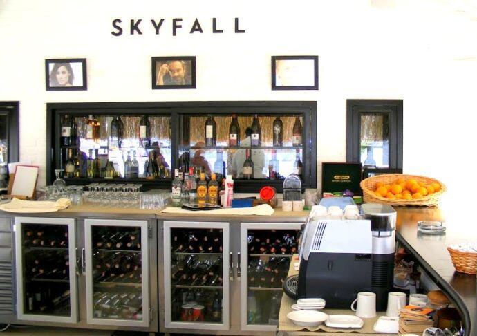 Skyfall Bar, Yacht Classic