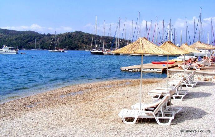 Yacht Classic Hotel Private Beach
