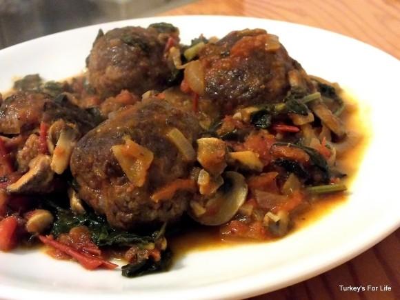 Domates Soslu Misket Köfte or Meatballs In Tomato Sauce