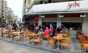 Sevinç Pastanesi, Izmir