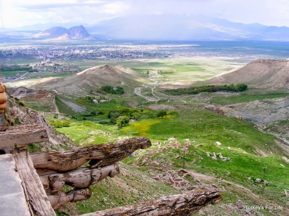 View of Ararat and Doğubeyazit from Ishak Paşa Sarayı, Turkey