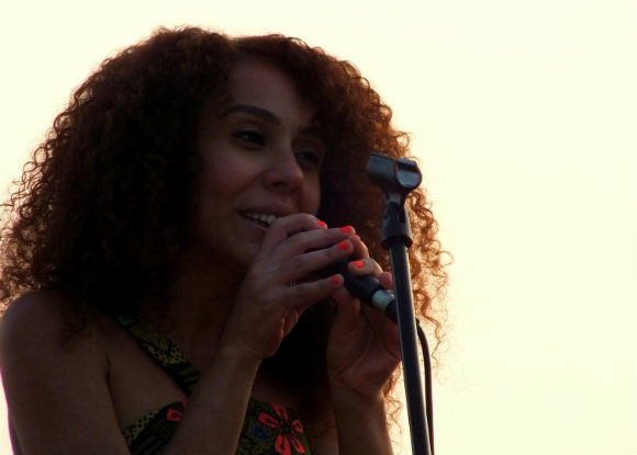 Elif Caglar At Buzz Beach Bar Ölüdeniz