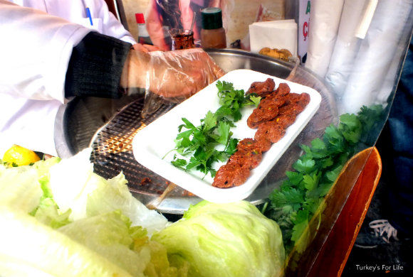 Turkish Street Food. Cig Kofte In Istanbul