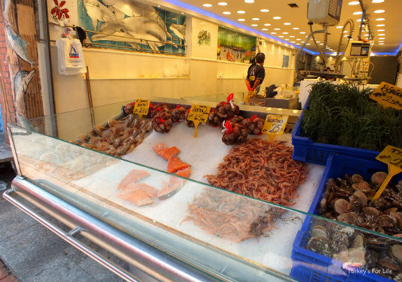 Kadıköy Market Fish Stall In In Istanbul
