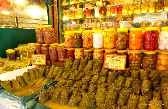 Kadıköy Market Vine Leaves And Turşu