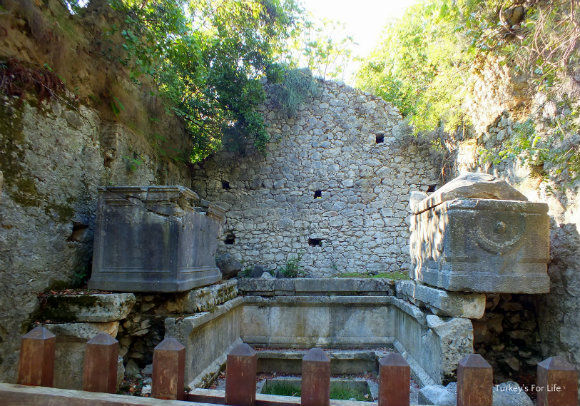 Tomb of Lyciarch, Olympos