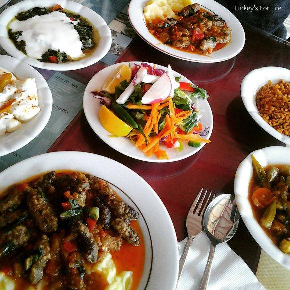 Lunchtime At Seçkin Restaurant In Fethiye