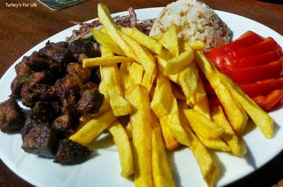 Lukka Cafe, Bar & Restaurant Arnavut Ciğeri