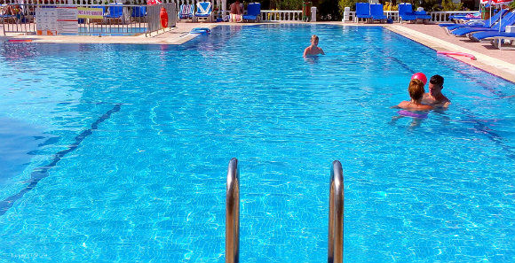 Leytur Hotel Swimming Pool