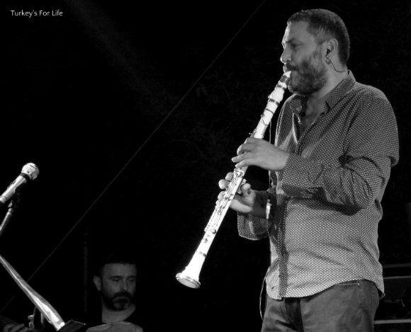 Hüsnü Şenlendirici At Roots Music Festival