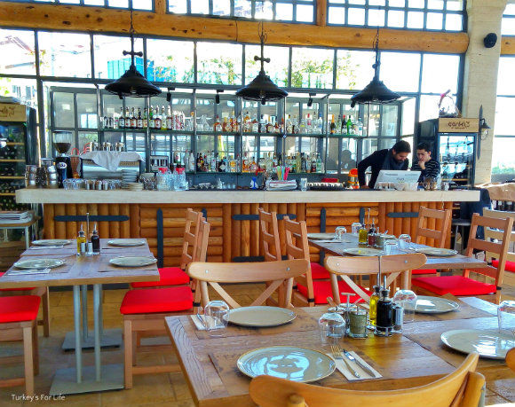 Çarıklı Et Restaurant Bar Area