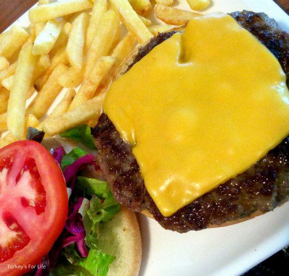 Sarge's Place Cheeseburger