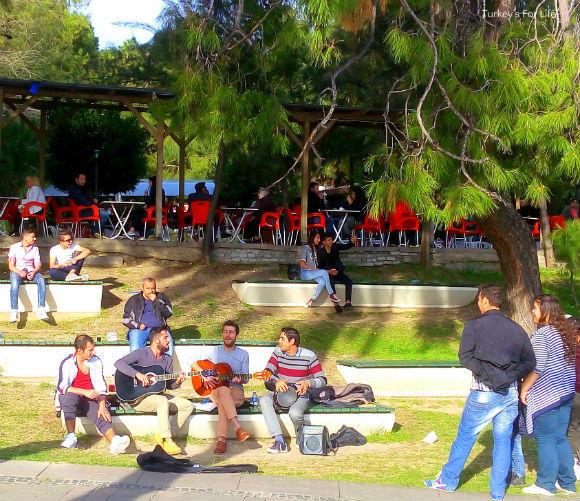 Buskers In Karaalioğlu Park