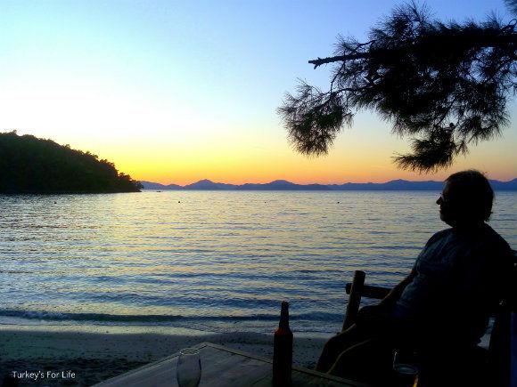 Fethiye Autumn News Help Beach