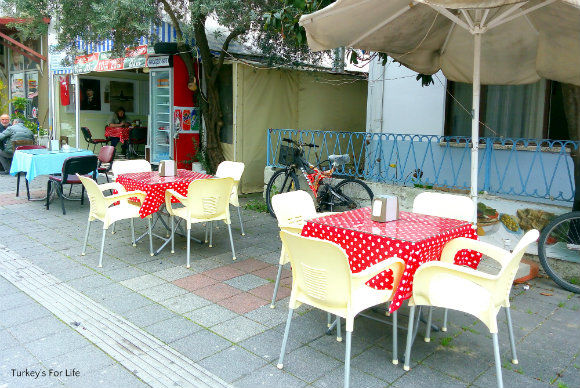 Kırçiçeği Cafe Seating