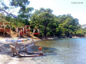 JJ Beach Park Büyük Boncuklu