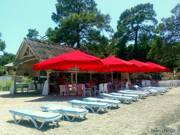 JJ Beach Park Eating Area