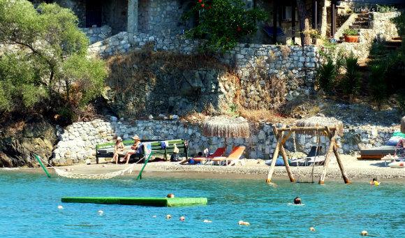 Şövalye Island Beach