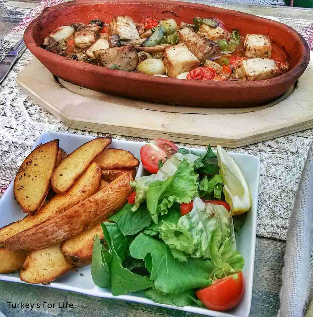 Seafood At Motif Restaurant, Çalış