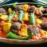 Izmir Köfte - Meatballs In Tomato Sauce