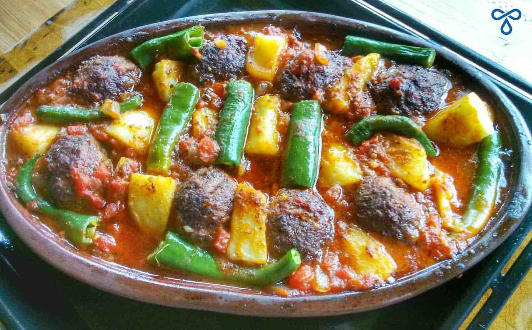 Izmir Köfte Recipe - Turkish Meatballs In Tomato Sauce