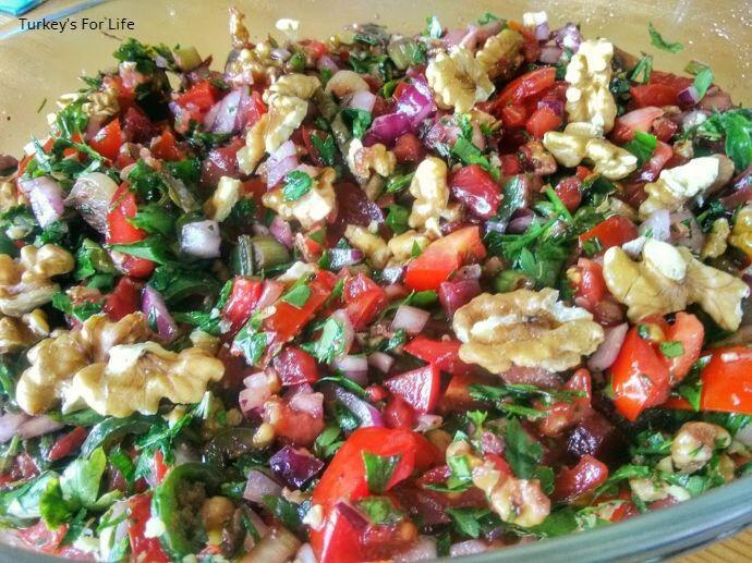Gavurdağı Walnut Salad