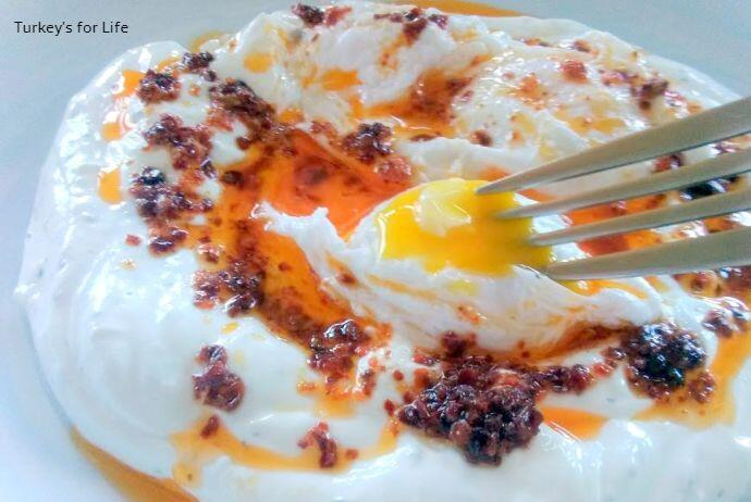 Turkish Poached Eggs Serving