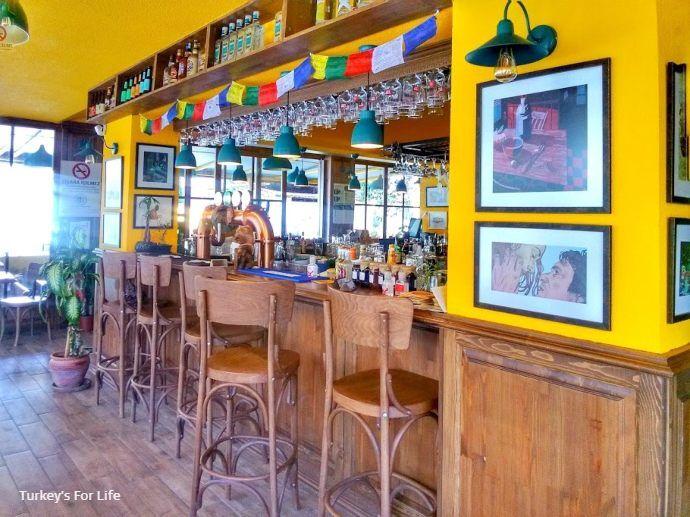 Büyük Ev Pub And Kitchen Inside