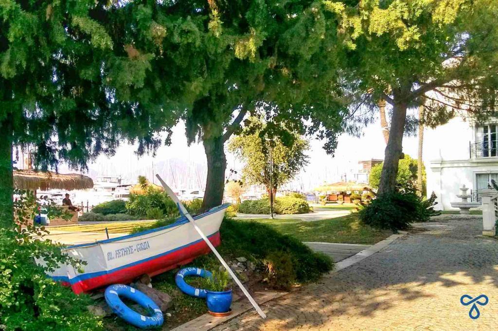 Girida Port Gardens